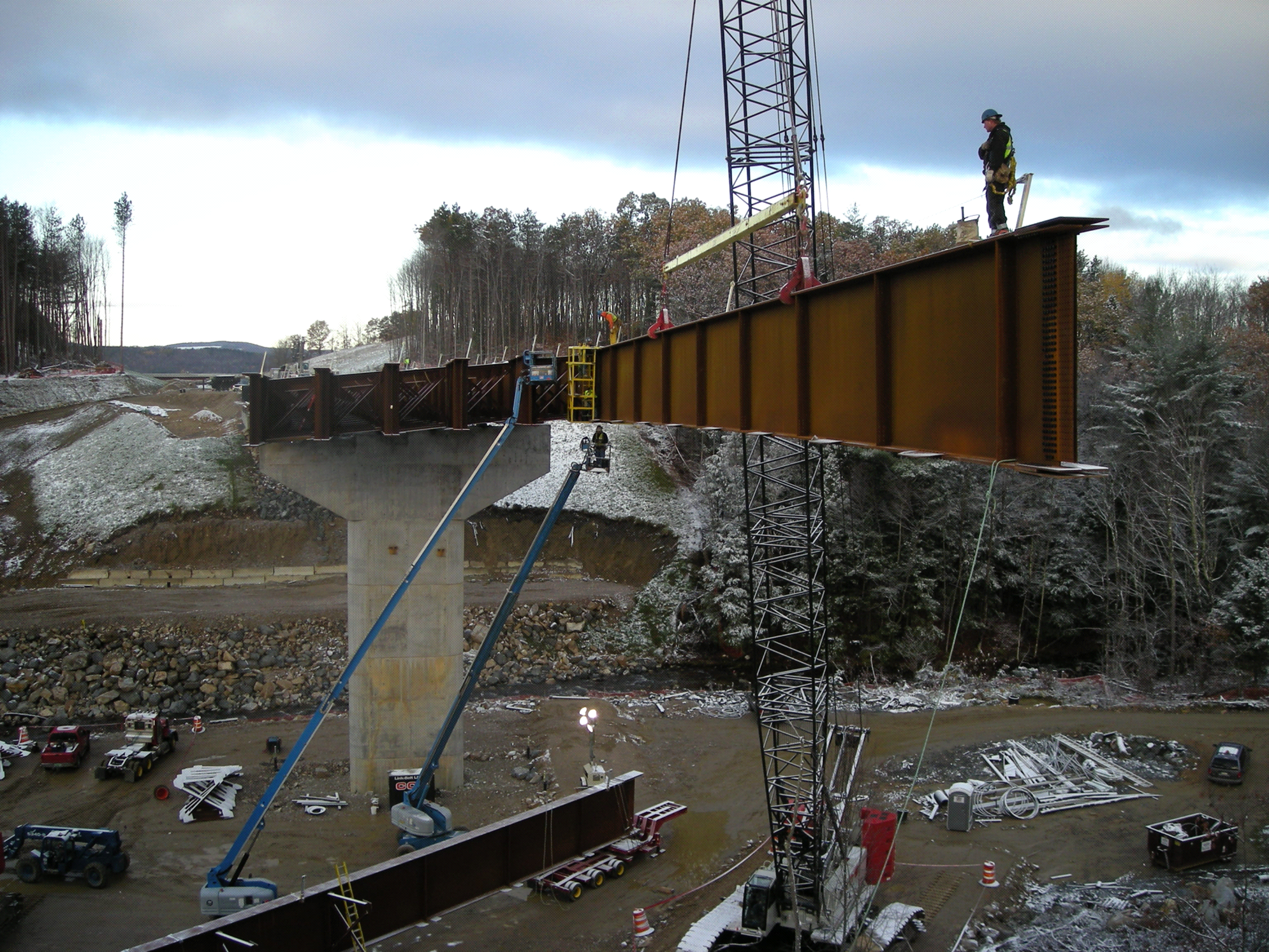 Setting a girder at Bedford-Manchester-Londonderry Bridge