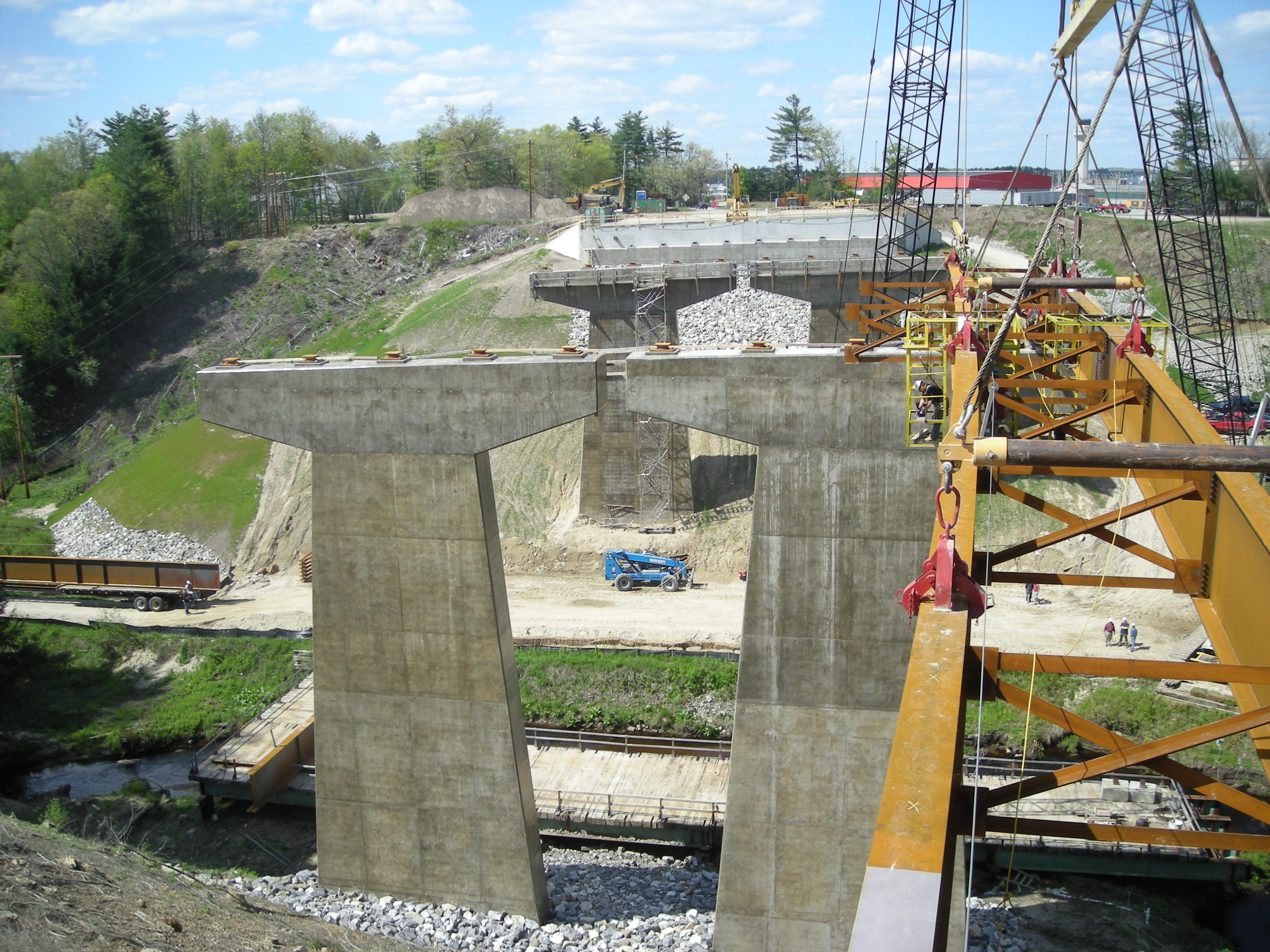 Setting a pair of girders - Manchester, NH