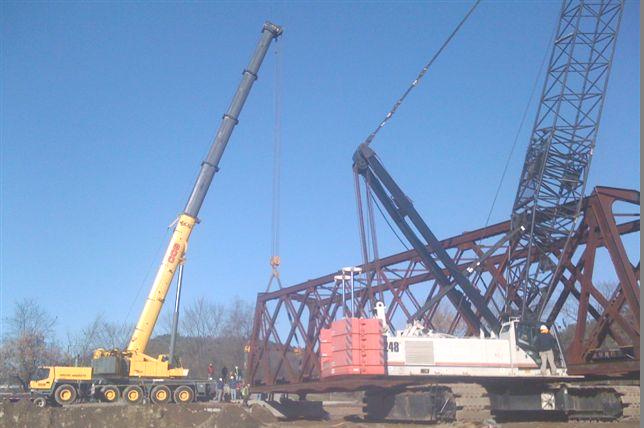 Setting 125' 135 ton Chester RR Bridge after Hurricane Irene damage